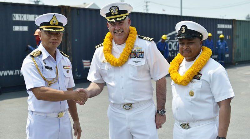 กองทัพเรือต้อนรับ USS.Green Bay (LPD-20) ที่เดินทางถึงประเทศไทยเพื่อเข้าร่วมการฝึกคอบร้าโกลด์ 20 ด้วยมิตรภาพที่อบอุ่น ณ ท่าเทียบเรือจุกเสม็ด อ.สัตหีบ จ.ชลบุรี